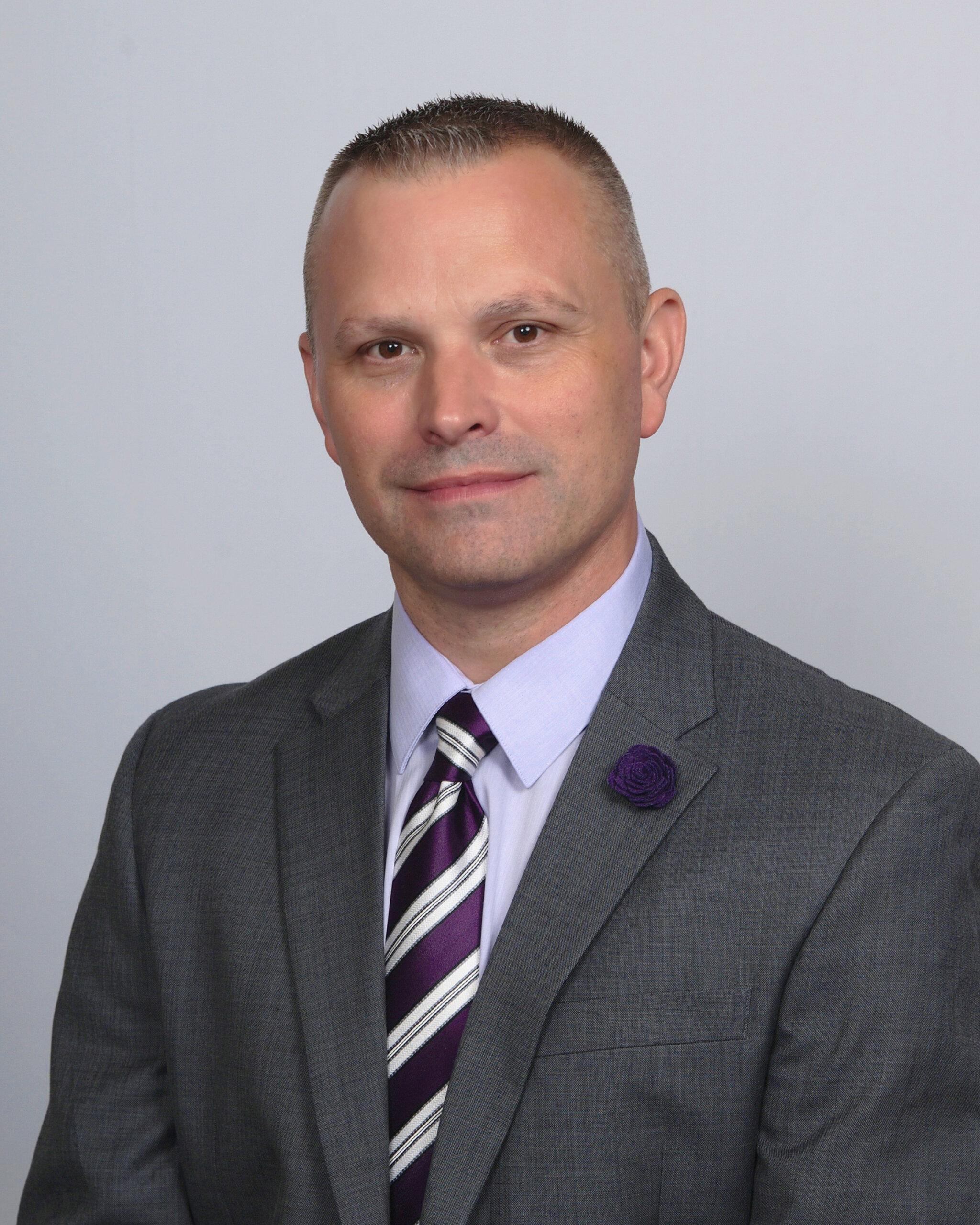 Casey Lloyd : Funeral Director